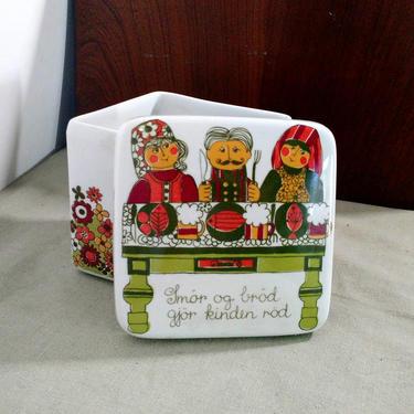 60s FIGGJO Flint Folklore TURI Design Covered Box Butter Dish Container Trinket ff Mid Century Norway Smor og Brot gjor kinden rod Ex Cond by FultonLane