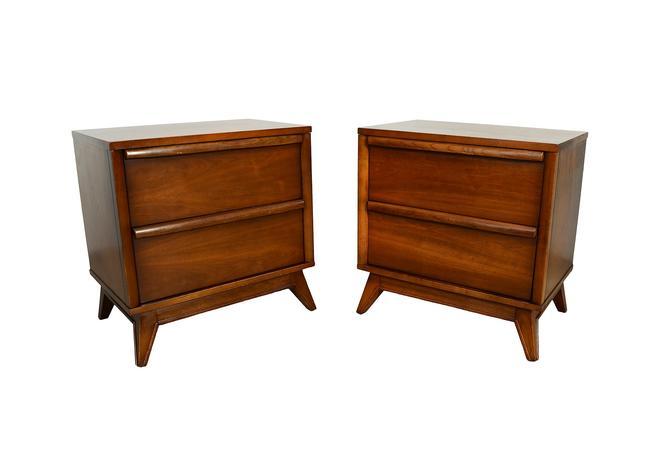 Walnut Nightstands Mid Century Modern Pair of Nightstands Unagusta Distinction by HearthsideHome