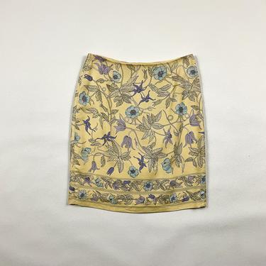 90s Pale Yellow Floral Mini Skirt / Art Deco / Pastel / y2k / Allover Print / Silk / Size 6 / 00s / Poppy / Art Noveau / Small / Medium / by shoptrashdotnet