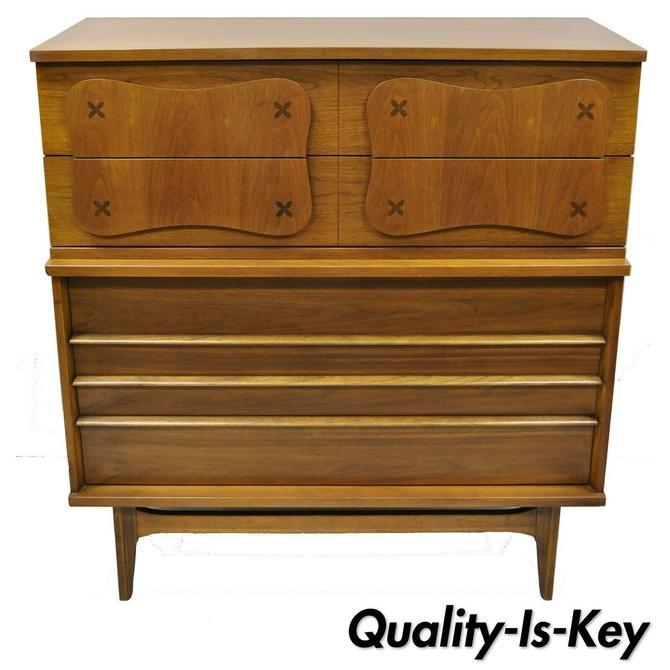 Mid Century Modern Bassett Star Inlay Walnut 5 Drawer Tall Chest Vintage Dresser
