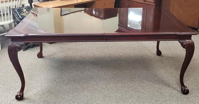 Item #KS1 Contemporary High  Gloss Cherry Extending Dining Table by Thomasville