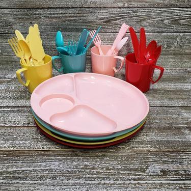 Vintage Gothamware Dinnerware, Vintage Plastic Dishes, Mid Century Modern Picnic Plates & Cups, 1950's Retro Kitchen Decor, Vintage Kitchen by AGoGoVintage