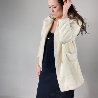 Vintage Plush Ivory Faux Fur Jacket Coat // Size M/L by SonjloVintage