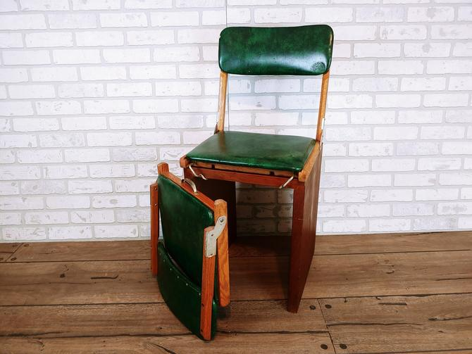 Pair of Green Vinyl Wood Folding Portable Stadium Seats with Handle by Sauder by RedsRustyRelics