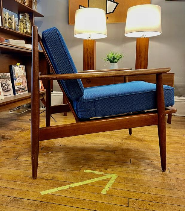 Danish Style Lounge Chair w\/new upholstery 1960s