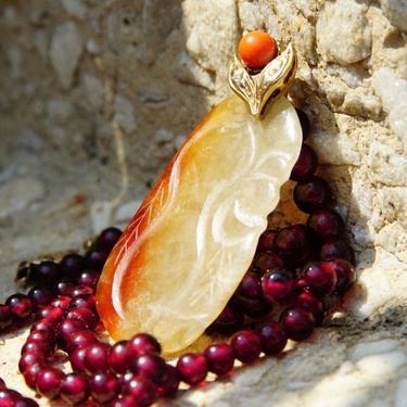 "Vintage 14K Gold Carved Orange/White Jade Garnet Bead Pendant Necklace, Dark Purple Garnet Beads, 14K Filigree Clasp & Pendant Bail, 19"" L by shopGoodsVintage"