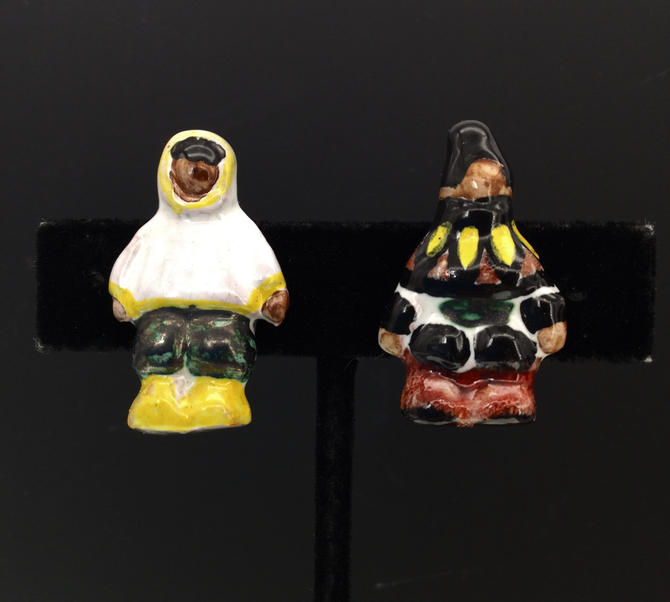 Eskimo earrings vintage clip on pair ceramic by BrainWashington