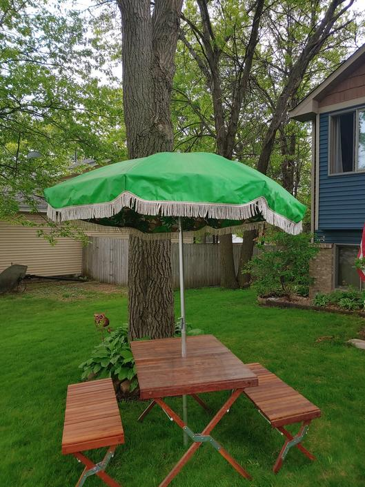Groovy Macon Green White Fringed Patio Umbrella by RedsRustyRelics