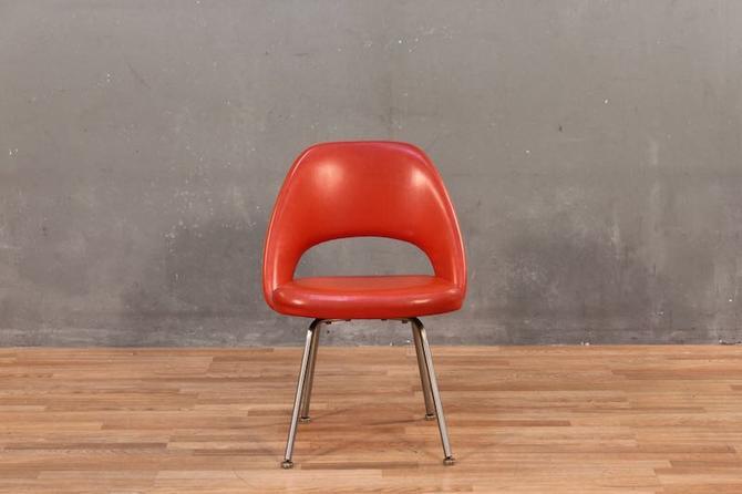 Eero Saarinen for Knoll Mid Century Armless Executive Vinyl Chair