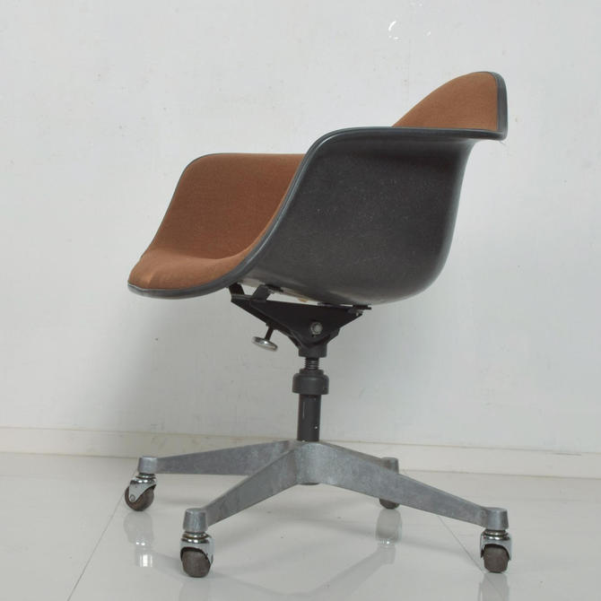 Herman Miller Eames Bucket Office Chair with Casters Mid Century Modern by AMBIANIC