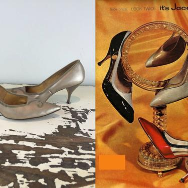 Waiting For Sand Storms - Vintage 1950s 1960s Sand Beige Taupe Patent Leather Heels Pumps Shoes - 9 by RoadsLessTravelled2