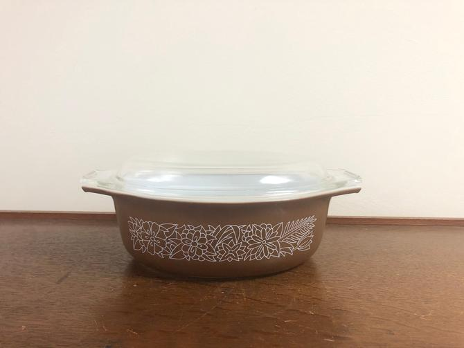 Vintage MCM Pyrex Woodland Oval Casserole, 043 1.5 QTS, with Clear Glass Lid by BlackcurrantPreserve
