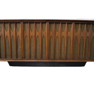 Broyhill Brasilia II Mid Century Modern Walnut Console Stereo New Vista Victrola by VivaLaVintagedotTX