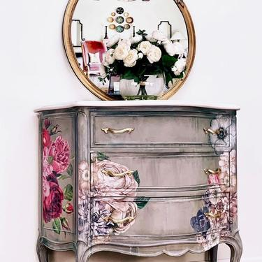 Stunning Vintage French Chest, Vintage, French Provincial, French Country, Hand Painted. by LaVidaBellaDesign