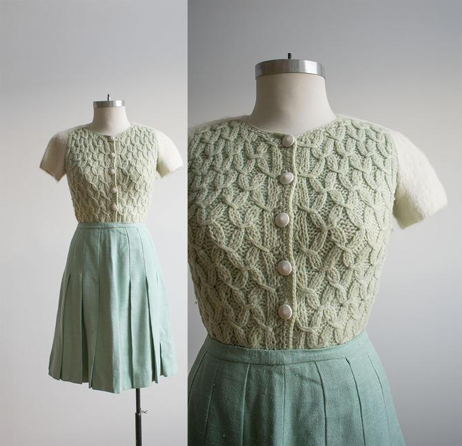 Vintage Hand Knit Crochet Sweater / Vintage Handmade Sweater / Hand made Vintage Sweater / 1950s Seafoam Green Knit Sweater / True Vintage by milkandice
