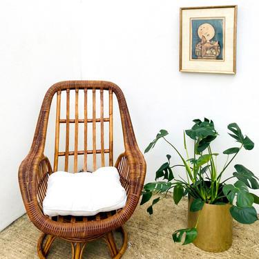 Wicker & Rattan Rock + Swivel Chair