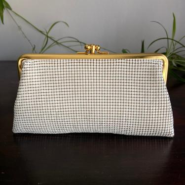 70's Whiting & Davis White Mesh Clutch by InstantVintage78