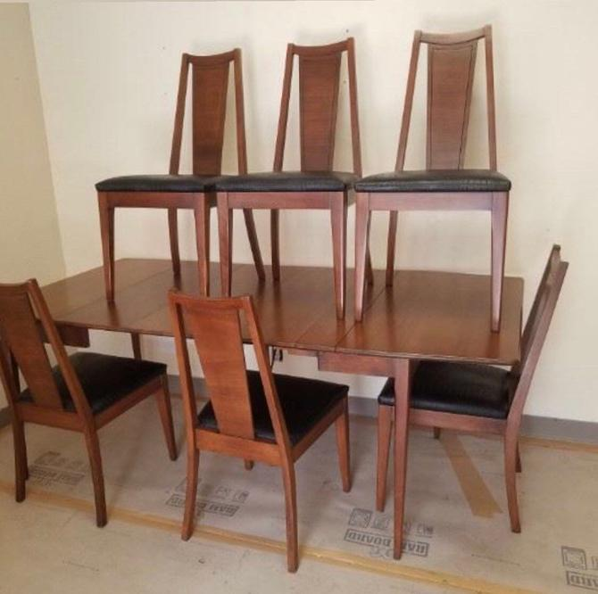 Vintage Mid Century Dining Table with 6 Chairs by BigWhaleConsignment