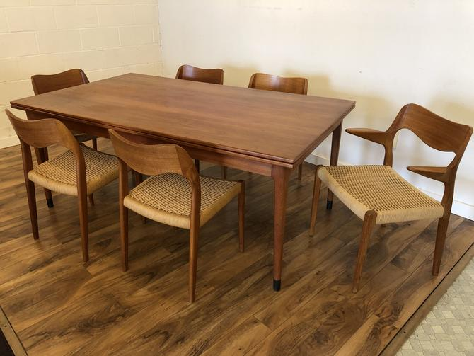 JL Moller Teak Dining Table & 6 Chairs