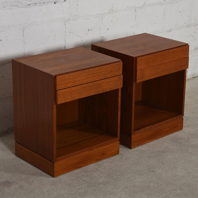 Pair of Arne Wahl Iversen Teak Split Drawer End Tables / Night Stands