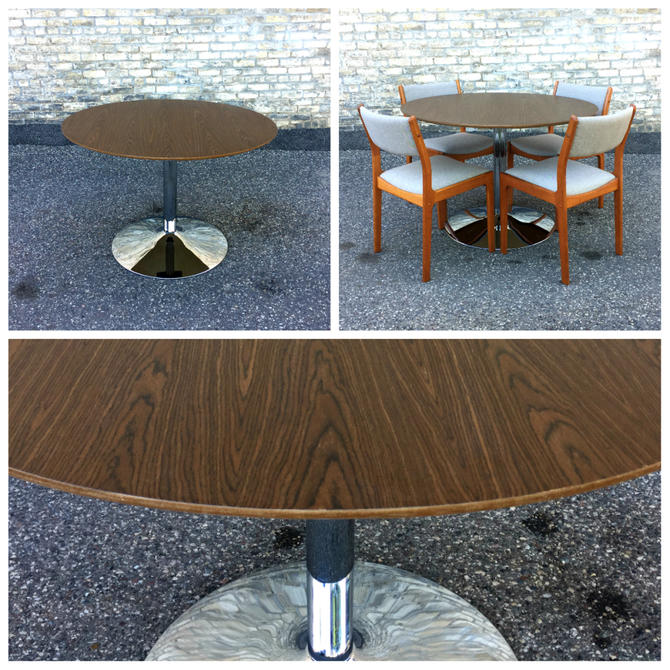Modern Round Table With Steel Tulip Base