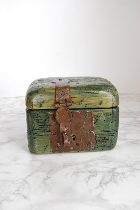 Wood Box with Metal Latch - Green Wood Asian Style Box - Jewelry Keepsake Box by PursuingVintage1