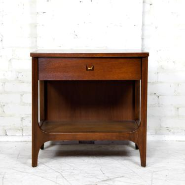 """Vintage mcm """"Brasilia"""" end table / nightstand with drawer by Broyhill Premier 