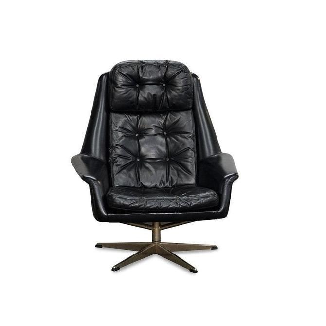 Original Danish Mid Century Bramin Leather Lounge Chair by LanobaDesign