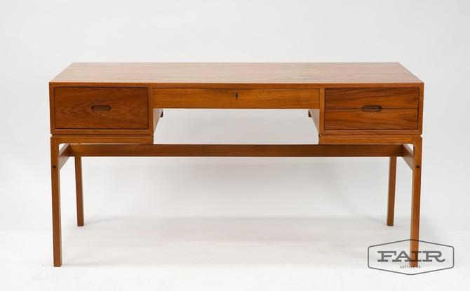Arne Whal Iverson for Vinde Mobler Desk