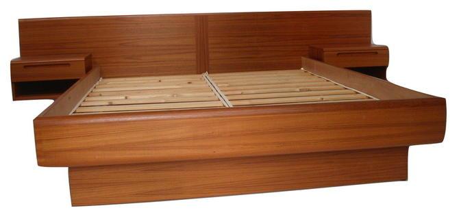 Teak Danish Modern Queen Sz Platform Bed, Floating Nightstands by Jesper Denmark