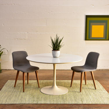 Round Tulip Dining Table by Burke