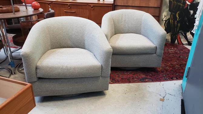 Pair of Vintage Swivel Club Chairs in Grey