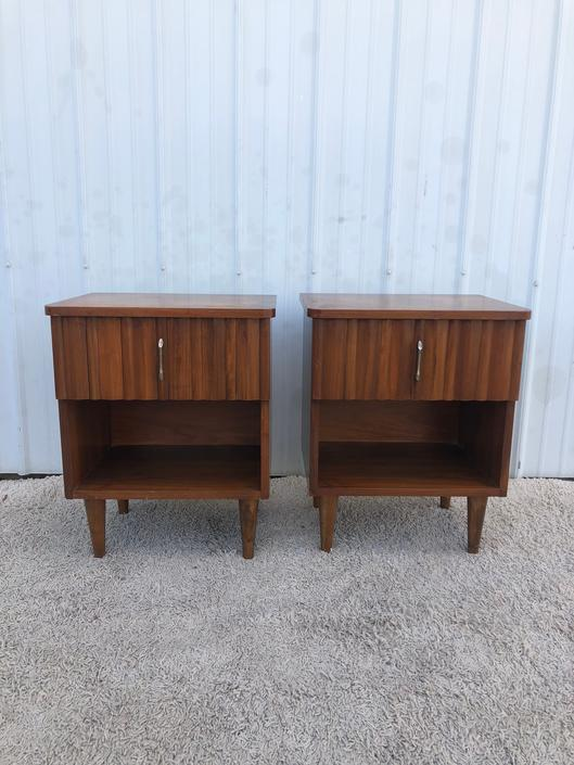 A Pair of Mid Century Single Drawer Nightstands