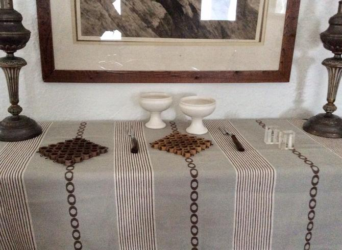 Mid-Century Modern Tablecloth Table Runner - Perfect for your MCM table! by nauhaus