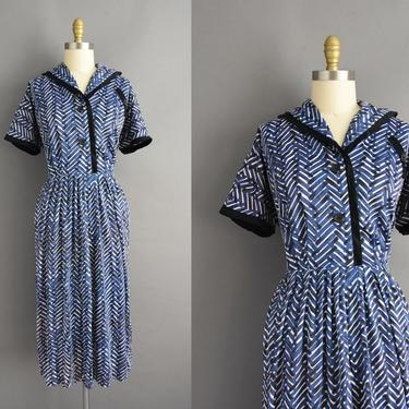 vintage 1960s   Blue Abstract Short Sleeve Full Skirt Shirt Dress   XXL Plus Size   60s dress by simplicityisbliss