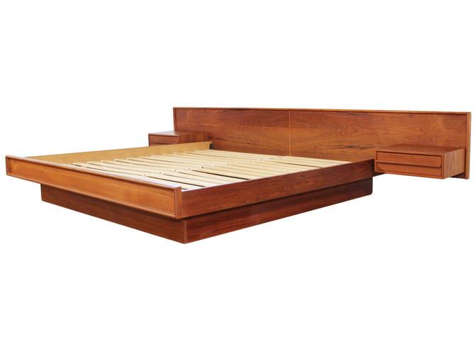 King Size Teak Platform Bed by RetroPassion21