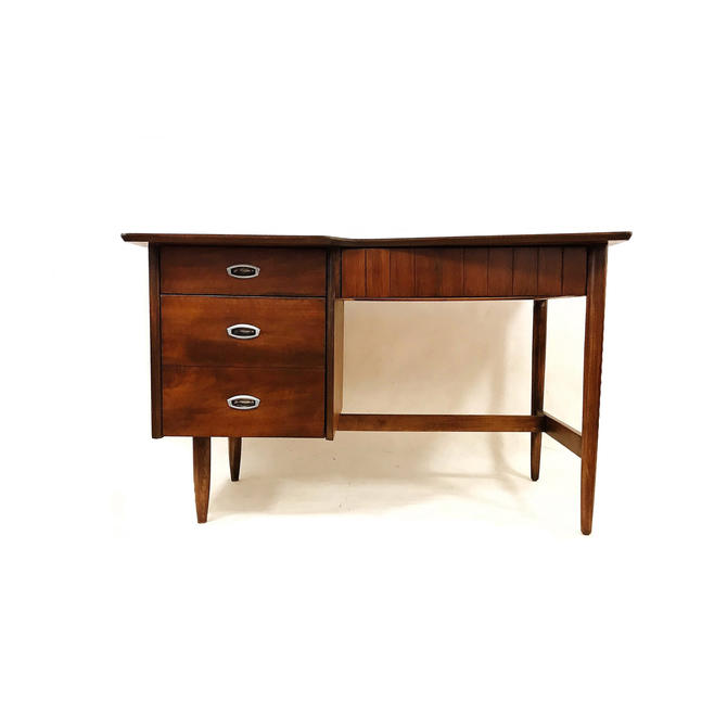 Vintage Mid Century Desk In Wood by minthome