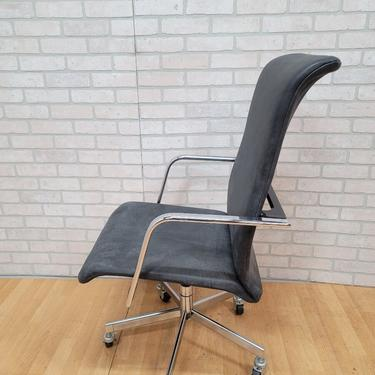 Mid Century Modern Peter Protzman for Herman Miller High Back Swivel Office Chair on Casters Newly Upholstered