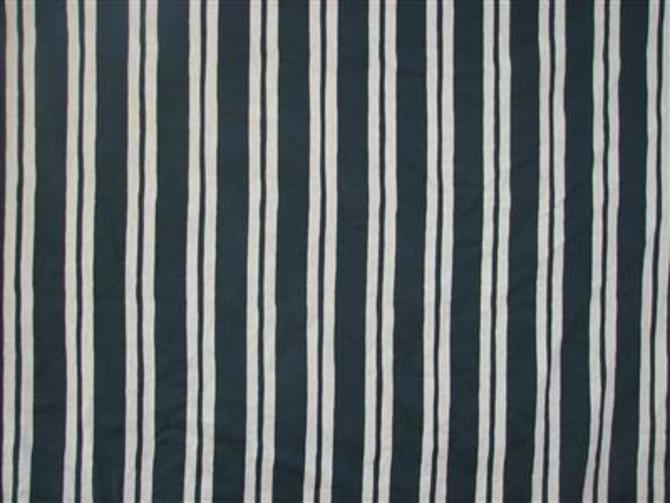 Straight Stripe in Navy