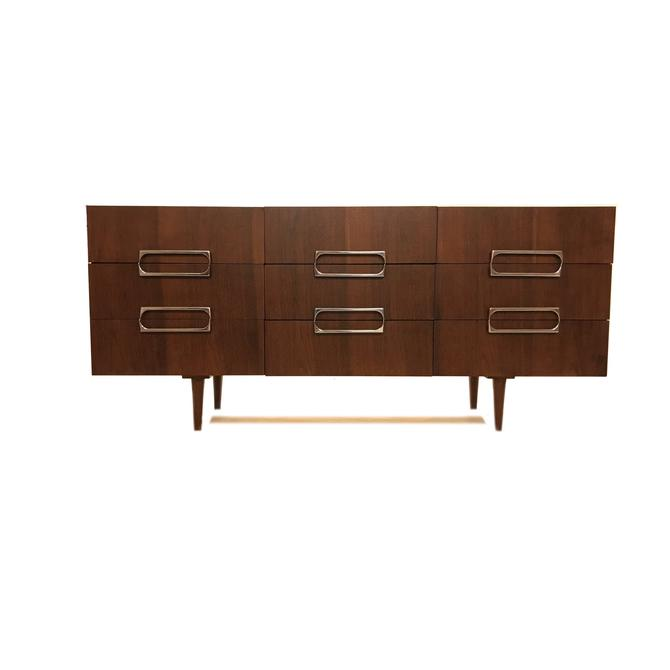 Vintage MCM Dresser In Wood by minthome