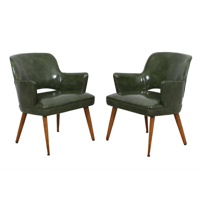 Pair of Knoll Saarinen Executive Style Chairs in Green