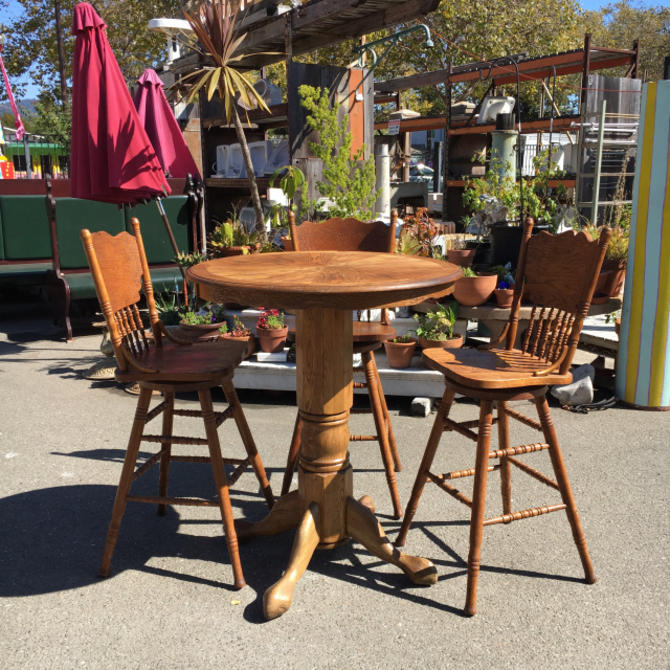 Decorative Oak Bar Set