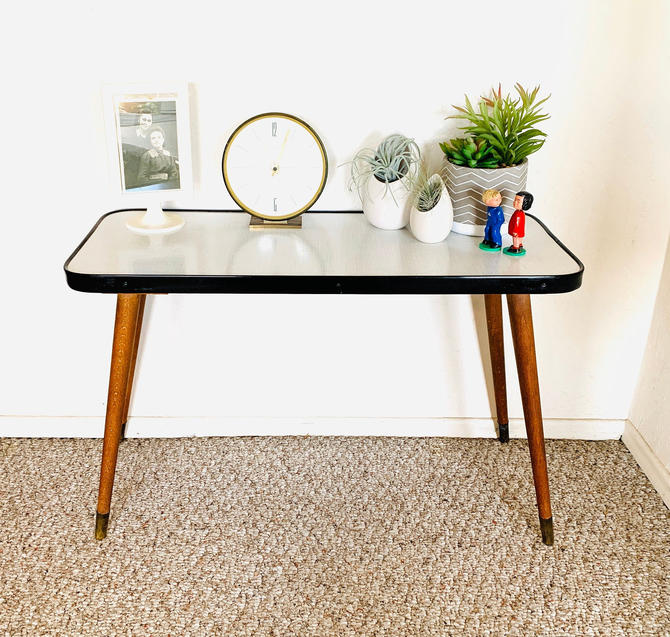Formica Side Table, Mid Century Accent Table, Vintage Plant Table, Side End Table, German Vintage Table, Atomic 50s Table, Space Age Table by dadacat