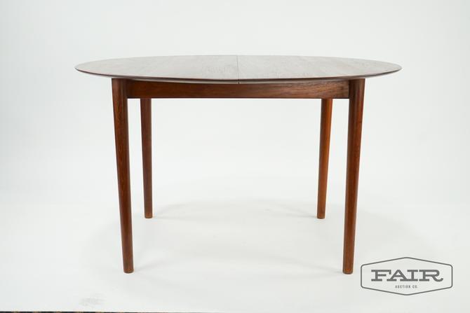 Peter Hvidt & O. Molgaard Nielsen Model 311 Table