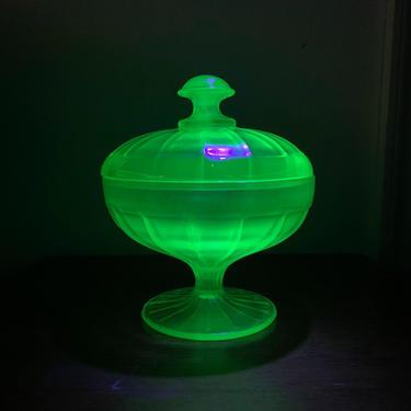 Vintage Fenton Glass Florentine Green Uranium Glass Stretch Glass Covered Bon Bon by OverTheYearsFinds