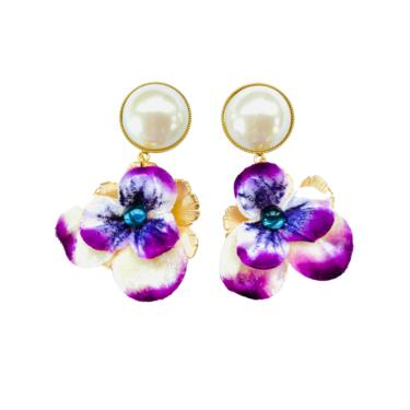 The Pink Reef navy and purple velvet pansy with pearl