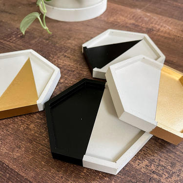 Set of 4: Hexagon Concrete Coasters - Color Accent (Gold, Silver, Rose Gold, Black, Beige, Spice) by SundayStudioOC