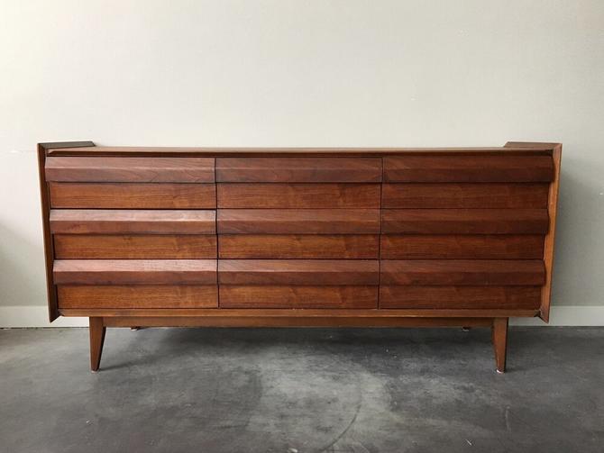 vintage mid century modern Lane First Edition lowboy dresser