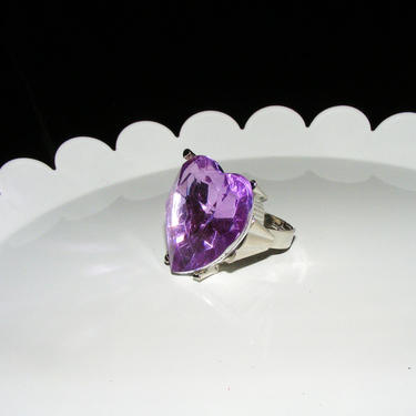 Large Purple Faceted Acyrlic Jeweled ring in size 6 by AllMyItems