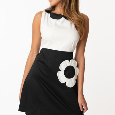 Smak Parlour 1960s Style Black & White Flower Model Maven Flare Dress